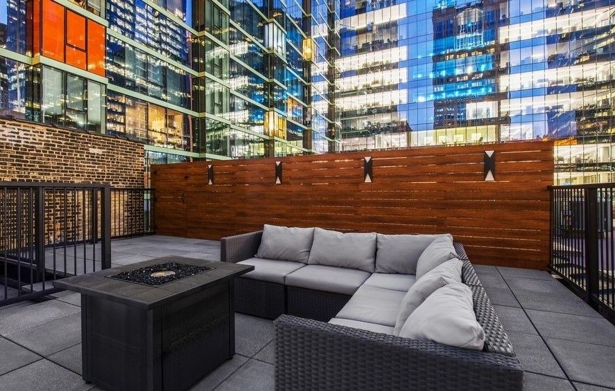 Modern Rooftop Deck Of A Penthouse In The Loop Of Chicago With A