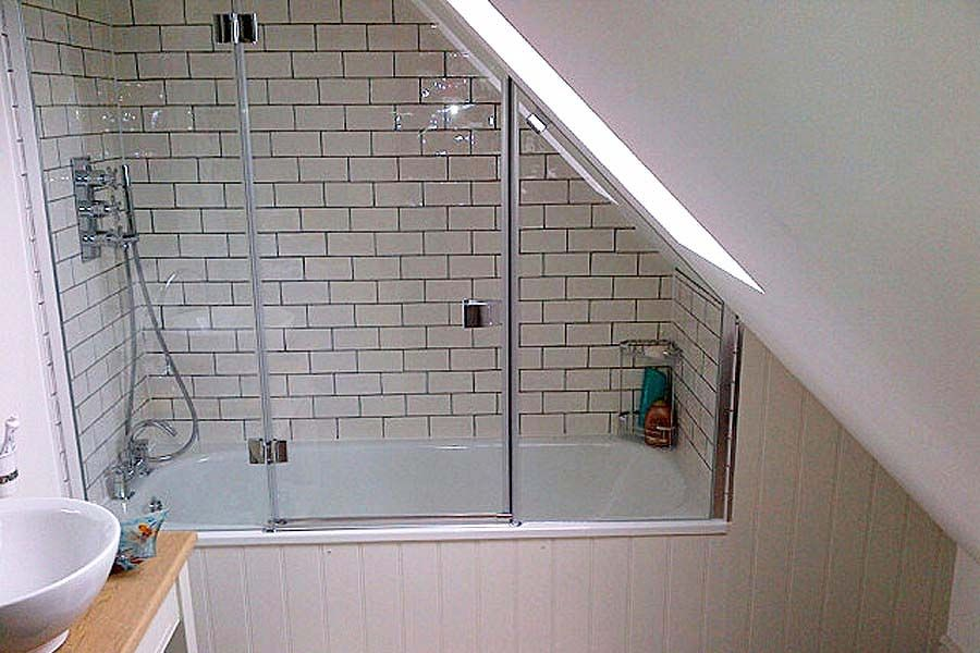Ideas & Tips for Creating Stylish Over Bath Showers | Bathrooms ...