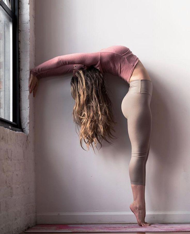 Easy Yoga Workout - yoga d97c237f004b
