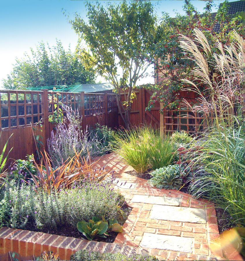 Garden Ideas Designs And Inspiration: Small, Colourful, Low-Maintenance Garden By Woodpecker