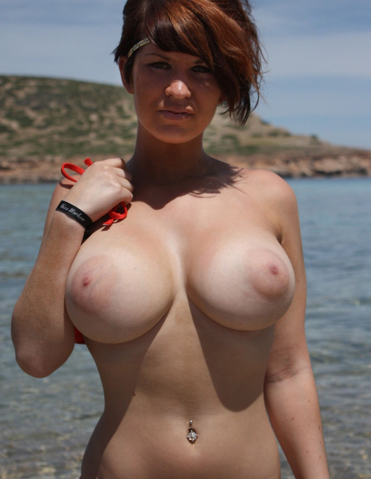 Large Natural Tits Amateur Cum Shots