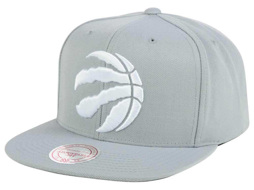 e0c8e8ff39d Toronto Raptors Mitchell and Ness NBA Team Gray White Snapback Cap ...