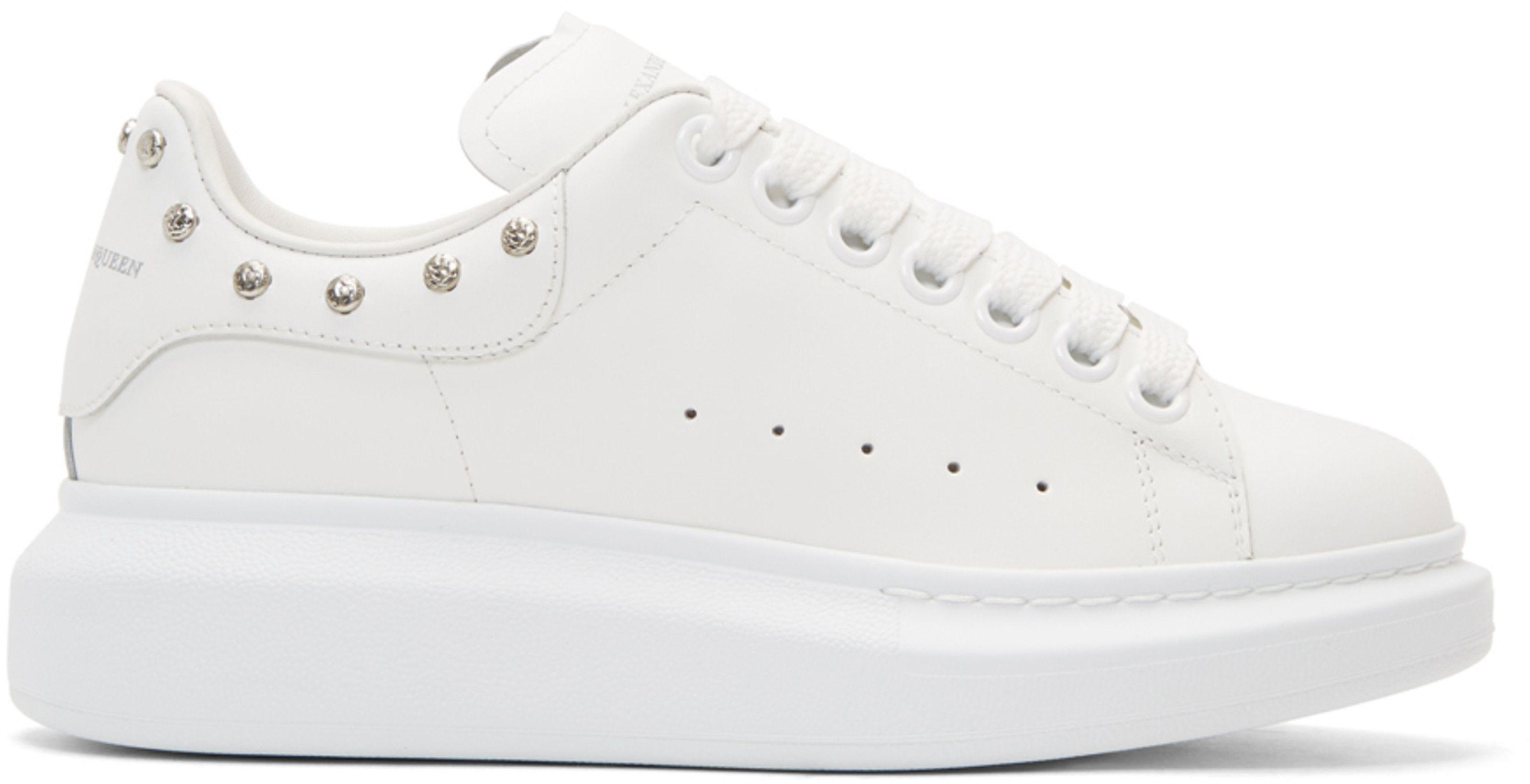 Alexander Mcqueen White Studded Oversized Sneakers Studded Sneakers Sneakers Alexander Mcqueen Handbags