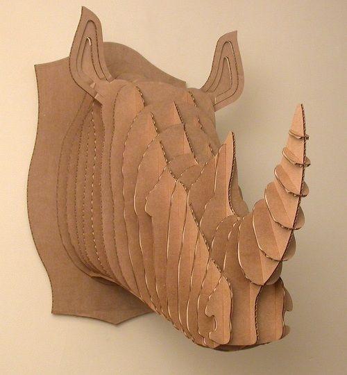 escultura de rinoceronte como ação para o dia das crianças.