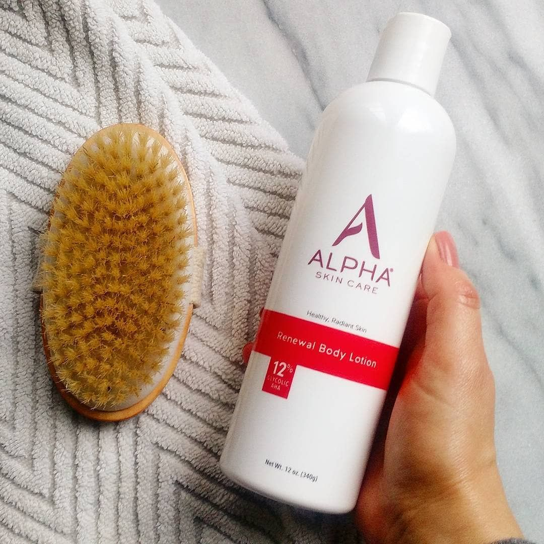 Alpha Skin Care S Revitalizing Body Lotion With 12 Glycolic Aha Thoroughly Hydrates And Gently Exfoliates Leaving Skin Soft Skin Lotion Lotion Body Skin Care