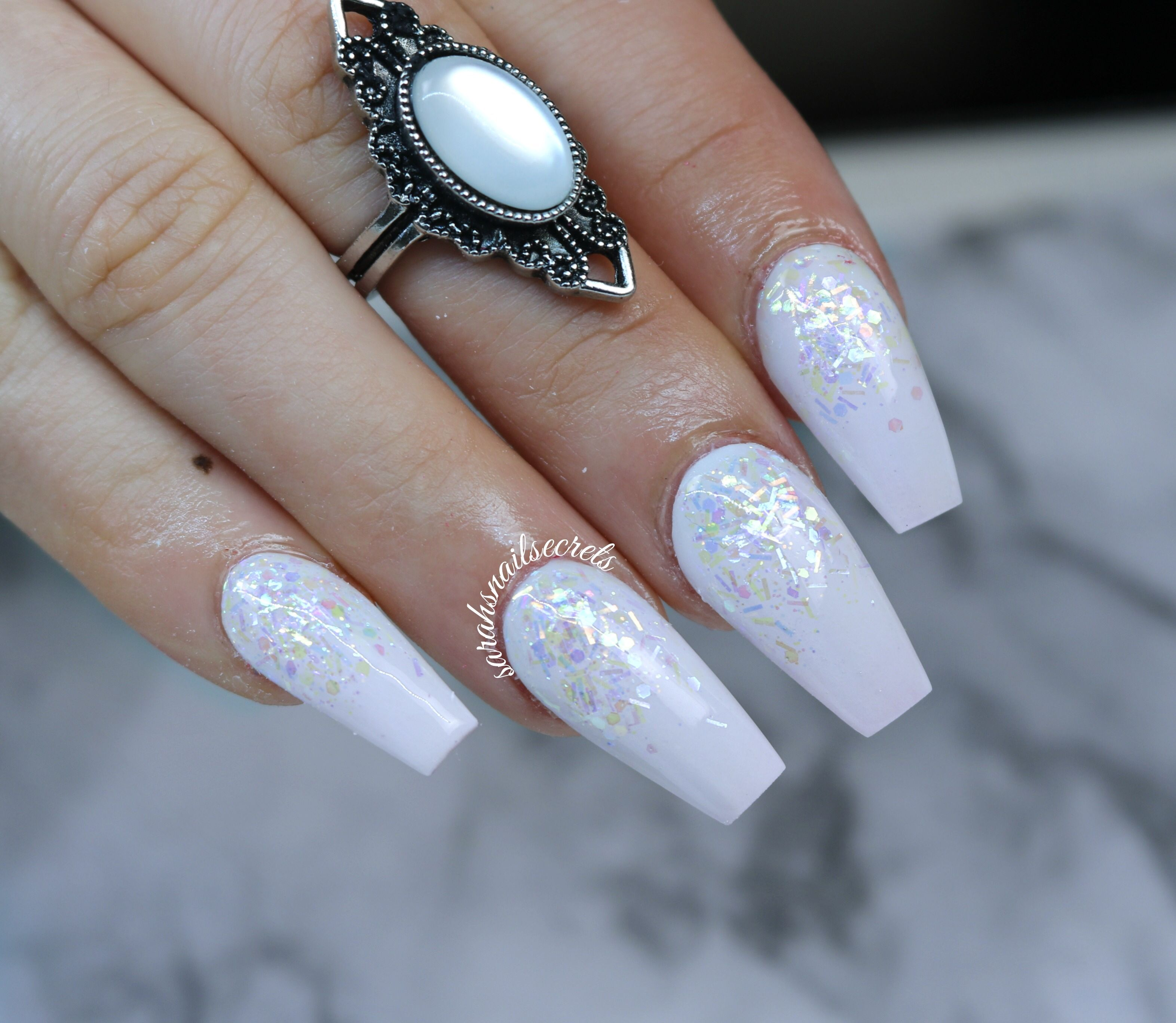 Magnificent White Nails With Glitter Fade Elaboration - Nail Art ...