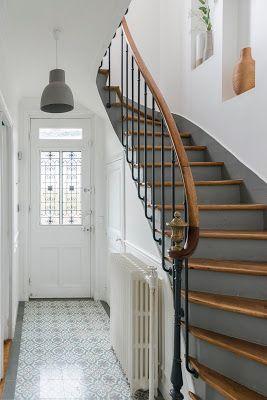 Adc L Atelier D A Cote Projet Avant Apres Une Grande Maison En Meuliere Entierement Repensee Et Modernis Escaliers Maison Maison Renovation Escalier Bois