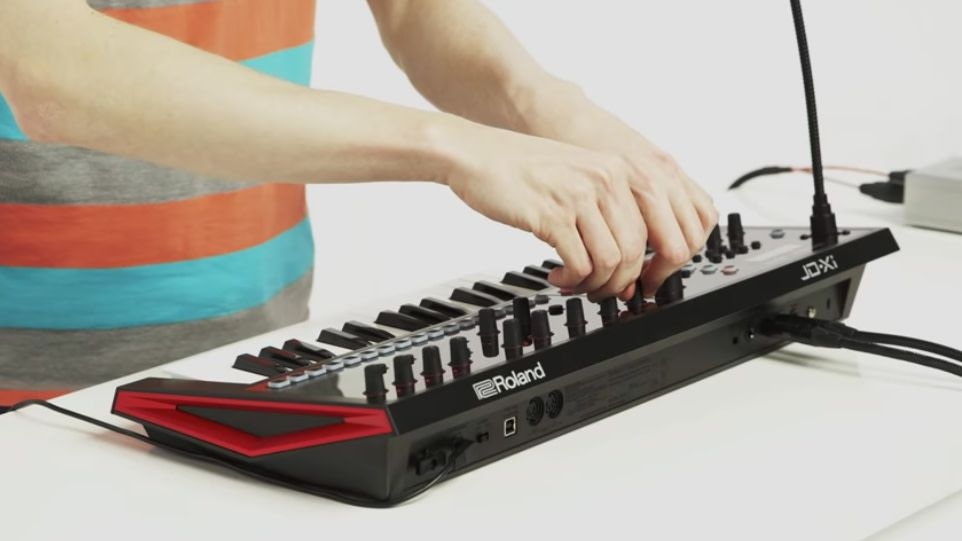 Tiny But Mighty The Roland Jd Xi Crossover Synth Provides The Best Of Both Worlds The Warm Smooth Response Of Classic Roland Keyboard Synthesizer Keyboards