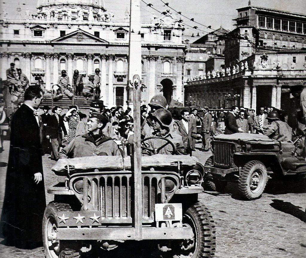 General Mark Clark In Piazza San Pietro In Rome 5th June 1944 Foto Veicoli Militari Militare