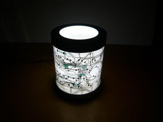 Coole #Leuchte aus einer alten #Tastatur: http://www.1-2 ...