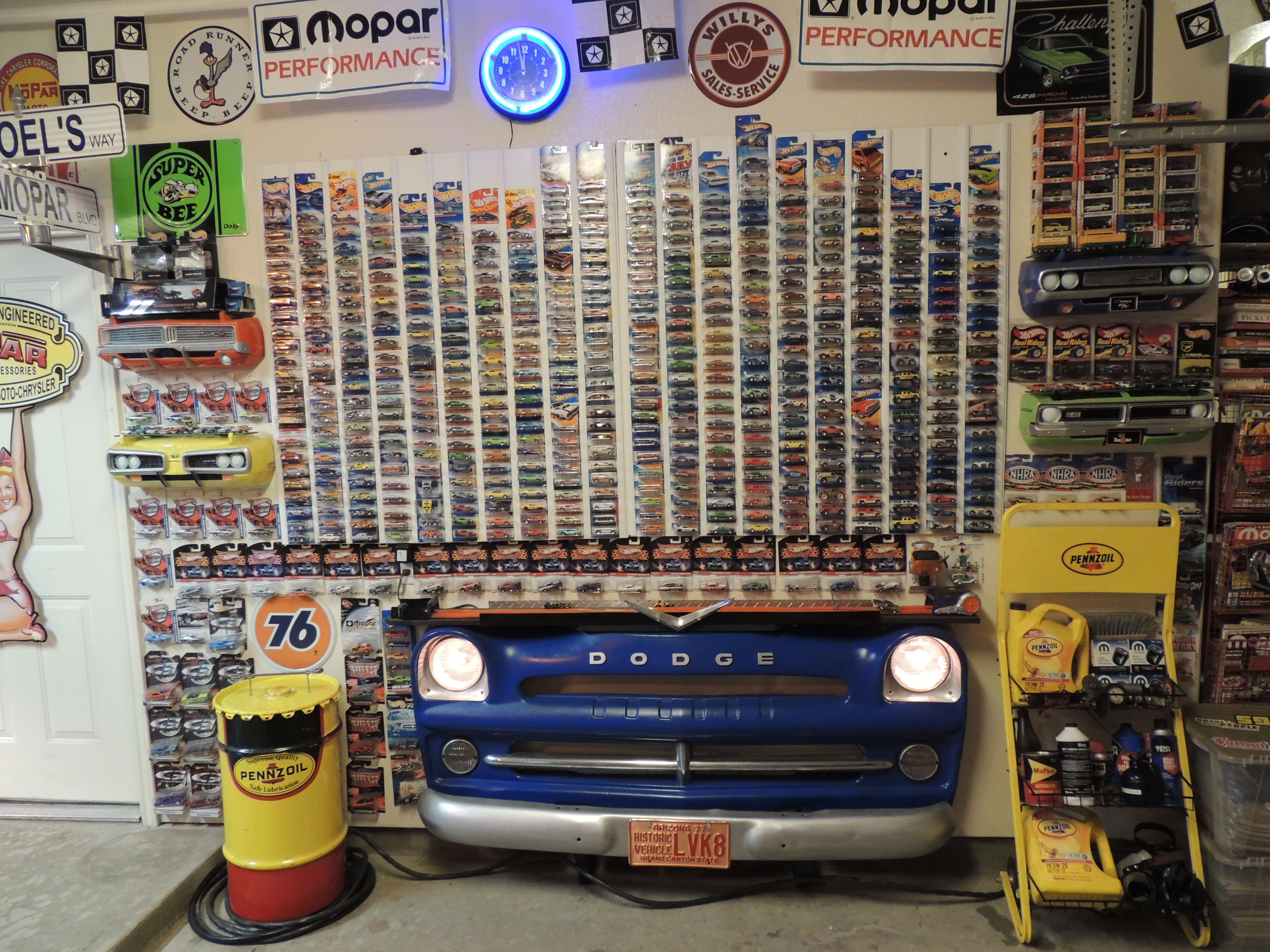 Hot Wheels Display Car Themed Stuff Pinterest Garage
