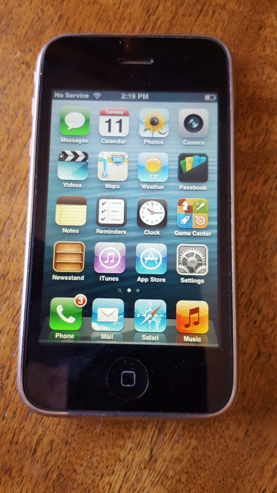 Apple iPhone 3GS 32GB UnlockedWhite AT&T CLEAN ESN/IMEI ModelNo.A1303-NO RESERVE https://t.co/01LEsxPLLG https://t.co/RHrIFvjDp6