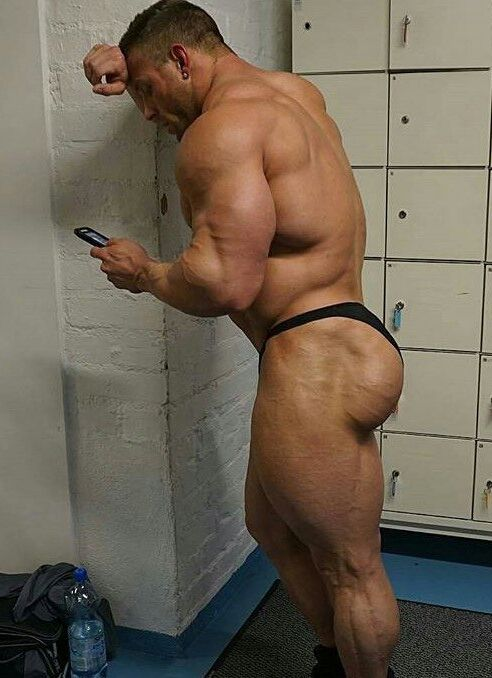 Male muscle fetish
