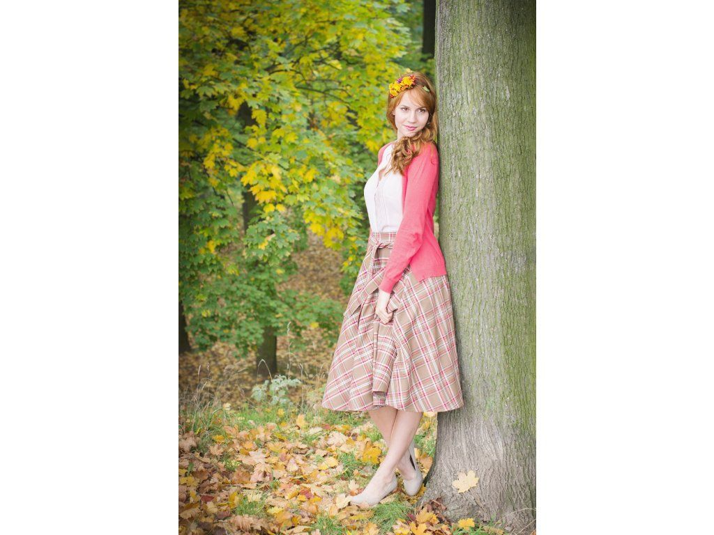 47558658fc35 Kolová sukně skotská kostka hnědá - více barev. bohatá kolová sukně délka  60 cm zip