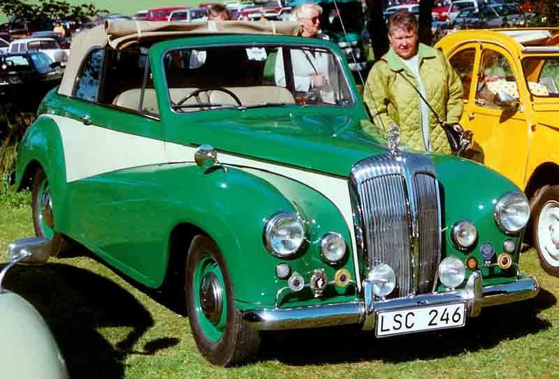 Daimler 1954 - Carbodies - Wikipedia, the free encyclopedia