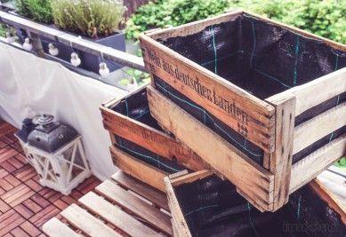 DIY Balkon-Garten mit Weinkisten einfach selber machen