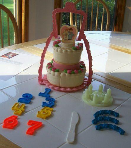 Fisher Price Vintage Wedding Birthday Cake Pretend Play Food Kitchen Kid S Set Pretend Play Food Play Food Wedding Cake Setting