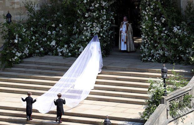 Meghan Markle escaleras boda
