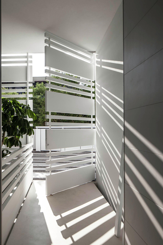House window grill design 2018  galería de casa en el mar  pitsou kedem architects   in