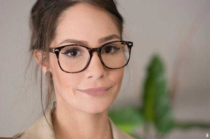 727762252eb4e Confira aqui as principais dicas para escolher o óculos de grau que combina  com o seu tipo de rosto e estilo. Tire suas dúvidas aqui!