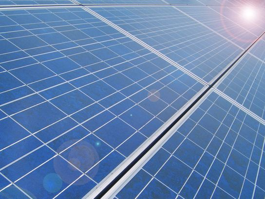 Tesla S Battery Farm On Kauai Opens Large Scale Solar Energy For Hawaii Zonnepanelen Zonne Energie Klimaatverandering