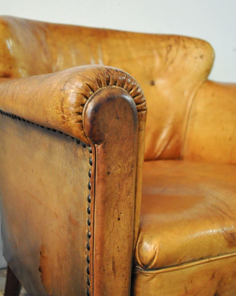 Onwijs een lekker oude leren stoel waar je helemaal in weg kunt kruipen YQ-85