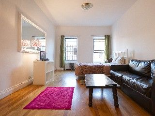 Steps from Times Square - Large studio in Manhattan
