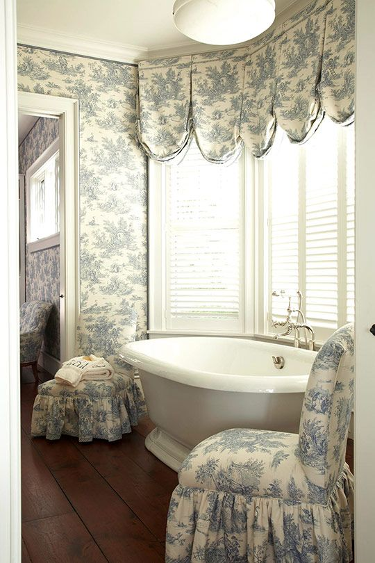 Dusty blue toile wallpaper and fabric add an ultra for Bay window bathroom ideas