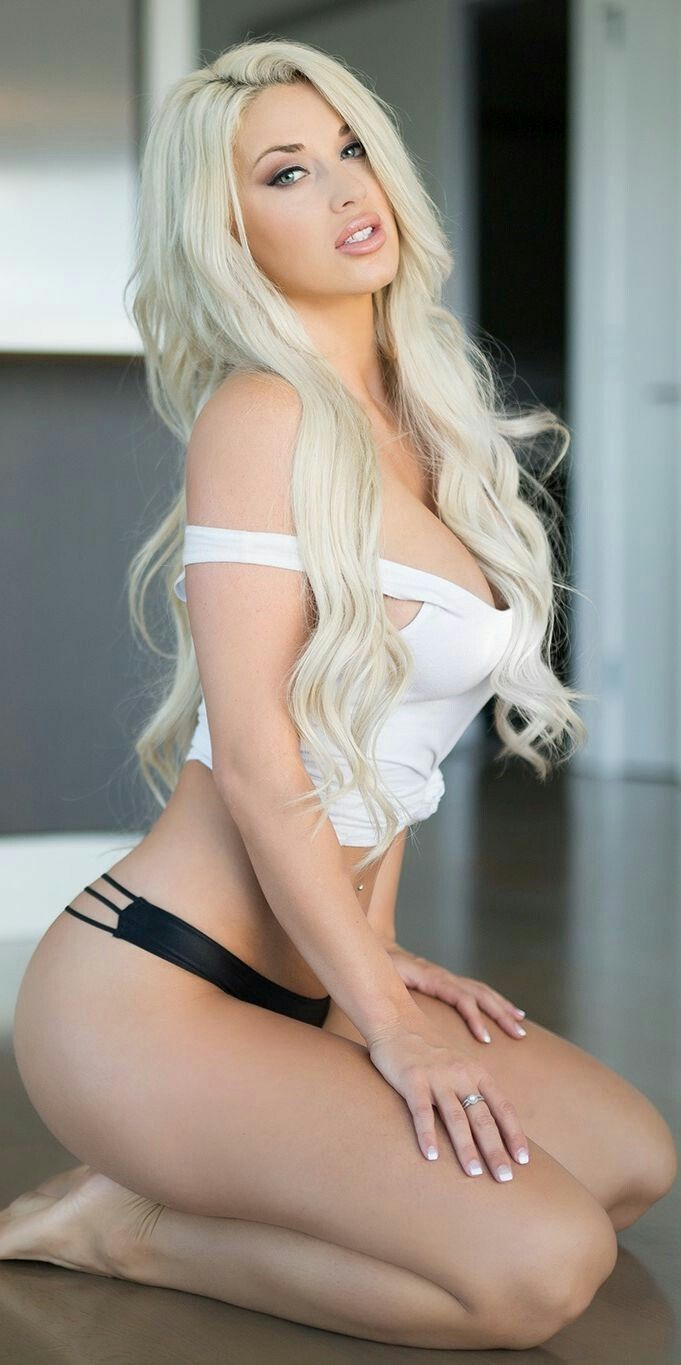 Sexy Blonde Hair Girls
