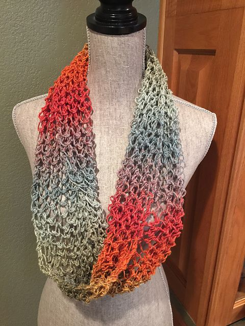 Ravelry: Lover\'s Knot Infinity Scarf pattern by Louis Chicquette ...