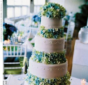 Love the tiers with Hydrangeas