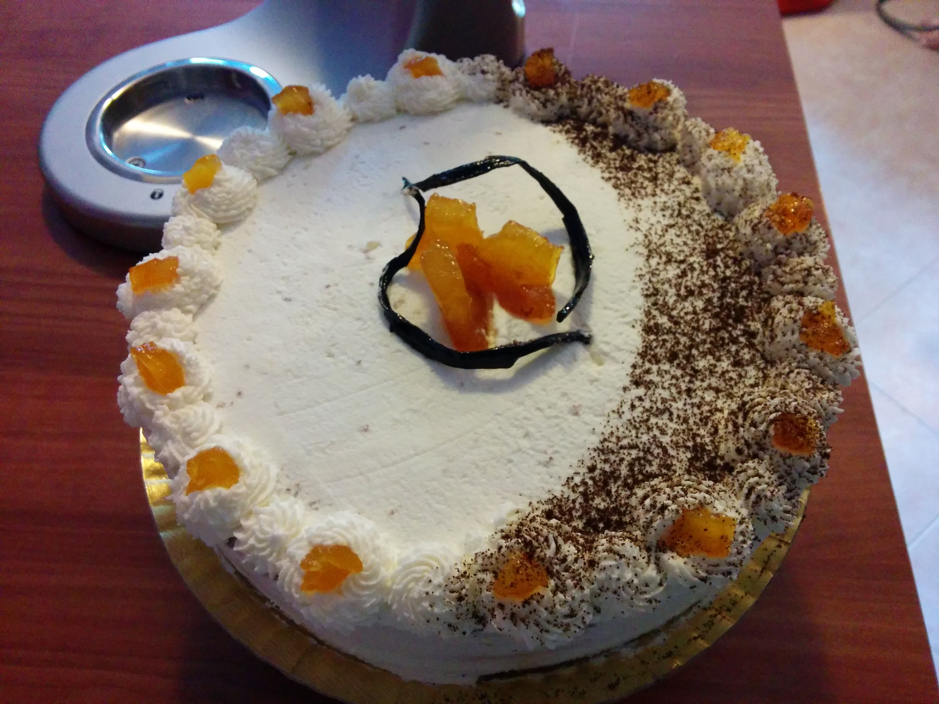 Semplice torta con mousseline al caffè...