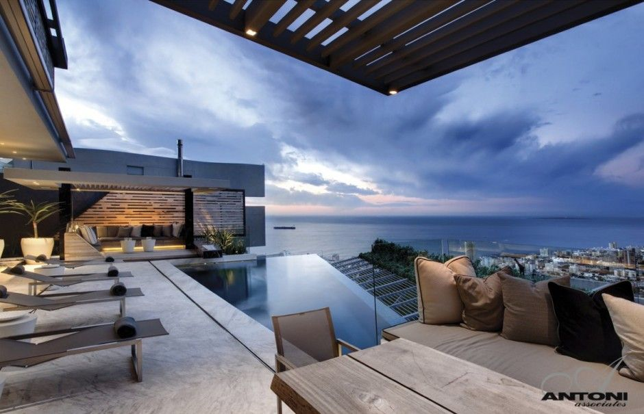 Head Road 1843 by Antoni Associates : What a View !