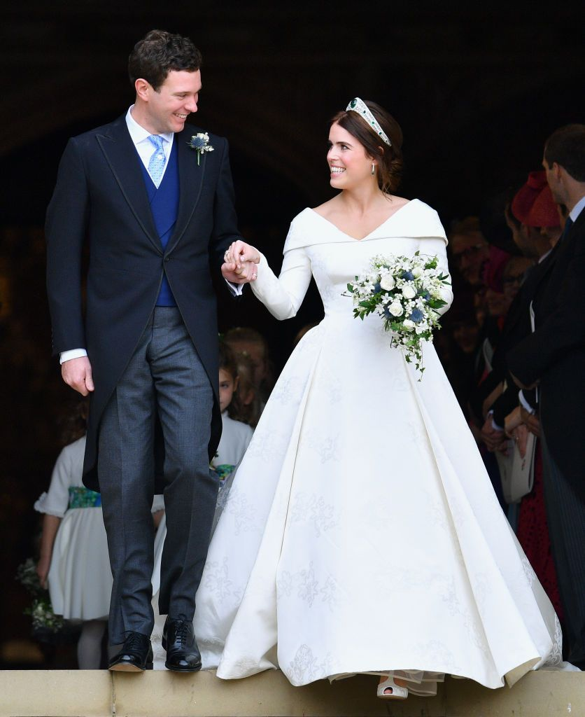 Jack Brooksbank And Princess Eugenie Leave St George S Chapel After Royal Wedding Gowns Eugenie Wedding Royal Brides [ 1024 x 836 Pixel ]