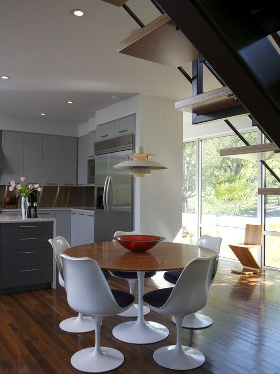 Things We Can Do At Gecko Cabinets Appliancesetc If You Can - Knoll tulip table and chairs