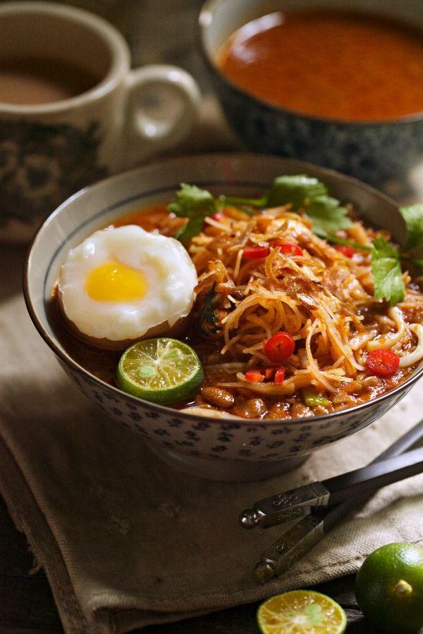Mee Siam Berkuah Adalah Resepi Dari Masyarakat Cina Peranakkan Atau Baba Dan Nyonya Resepi Ini Cukup Popular D Resep Makanan Resep Masakan Makanan Dan Minuman