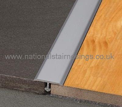 Best T Floor Dividing Cover Str*P For Same Height Tiles 640 x 480