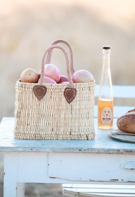 Senteur de pommes, pommes d'Amour, croquer la pomme, cidre, jus de pommes, que de saveurs, de parfums....FcC