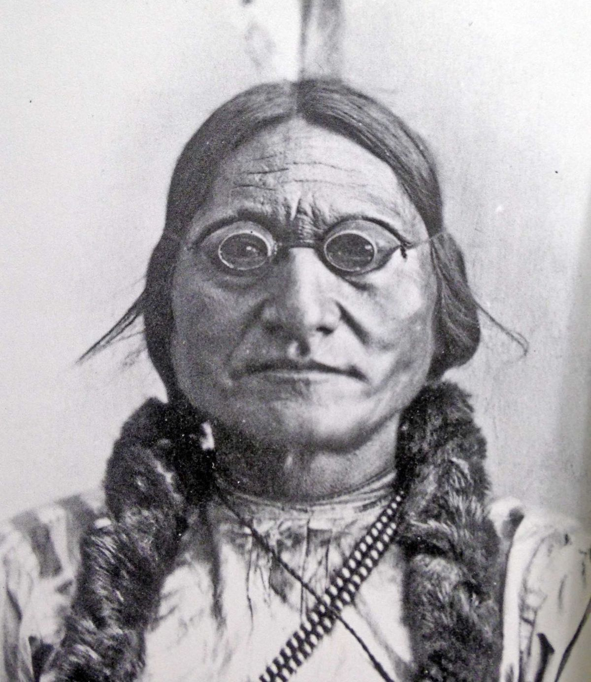 Confused Hookup A Man In His 40s Sitting Bull