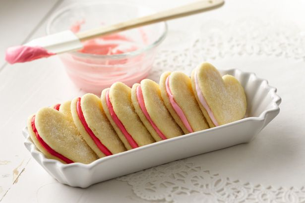 {How to} Frost Cookies like a Pro