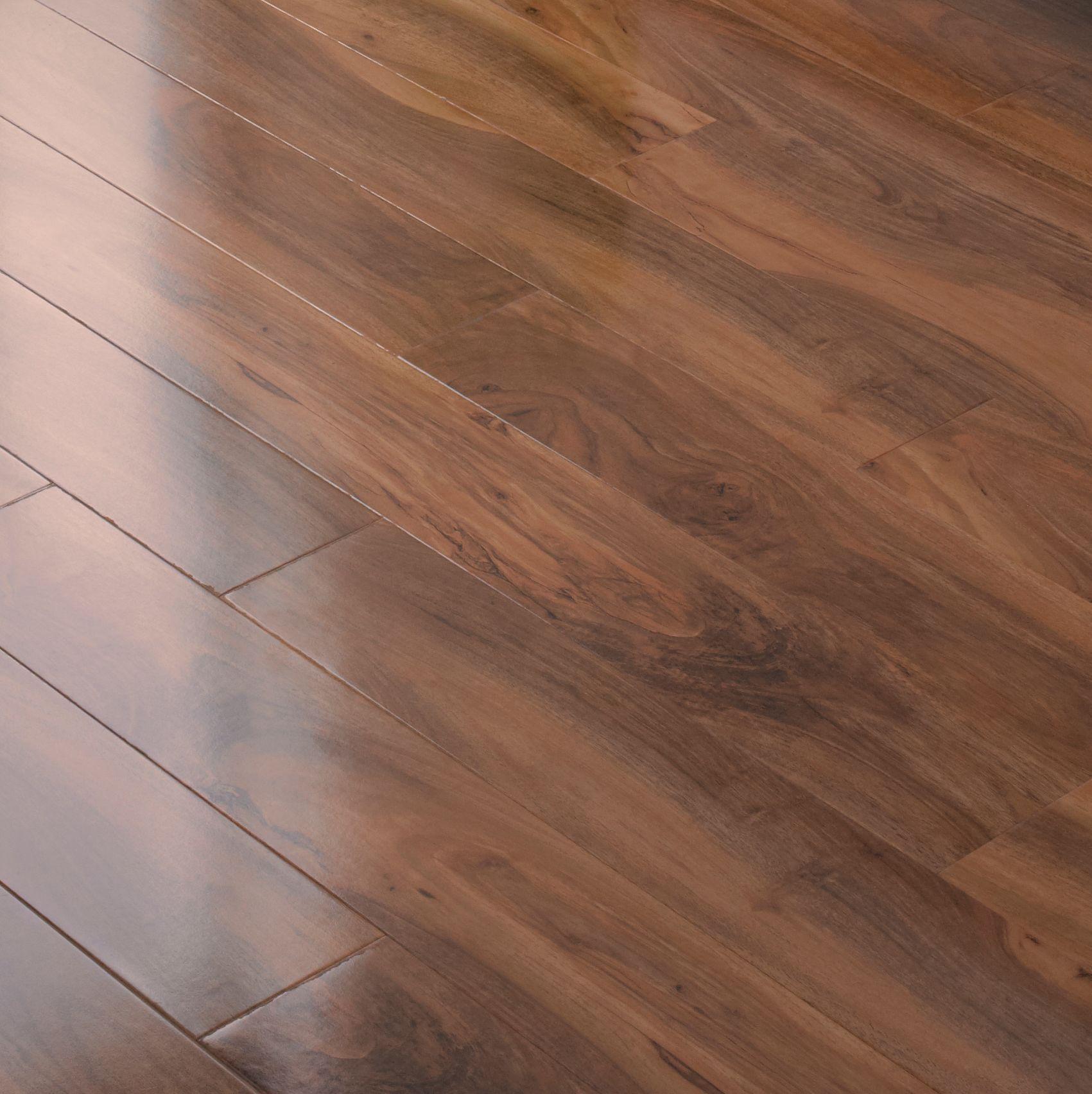 Dolce Natural Walnut Effect Laminate Flooring 0 04 M Sample Departments Diy At B Q Laminate Flooring Laminate Flooring Diy Flooring