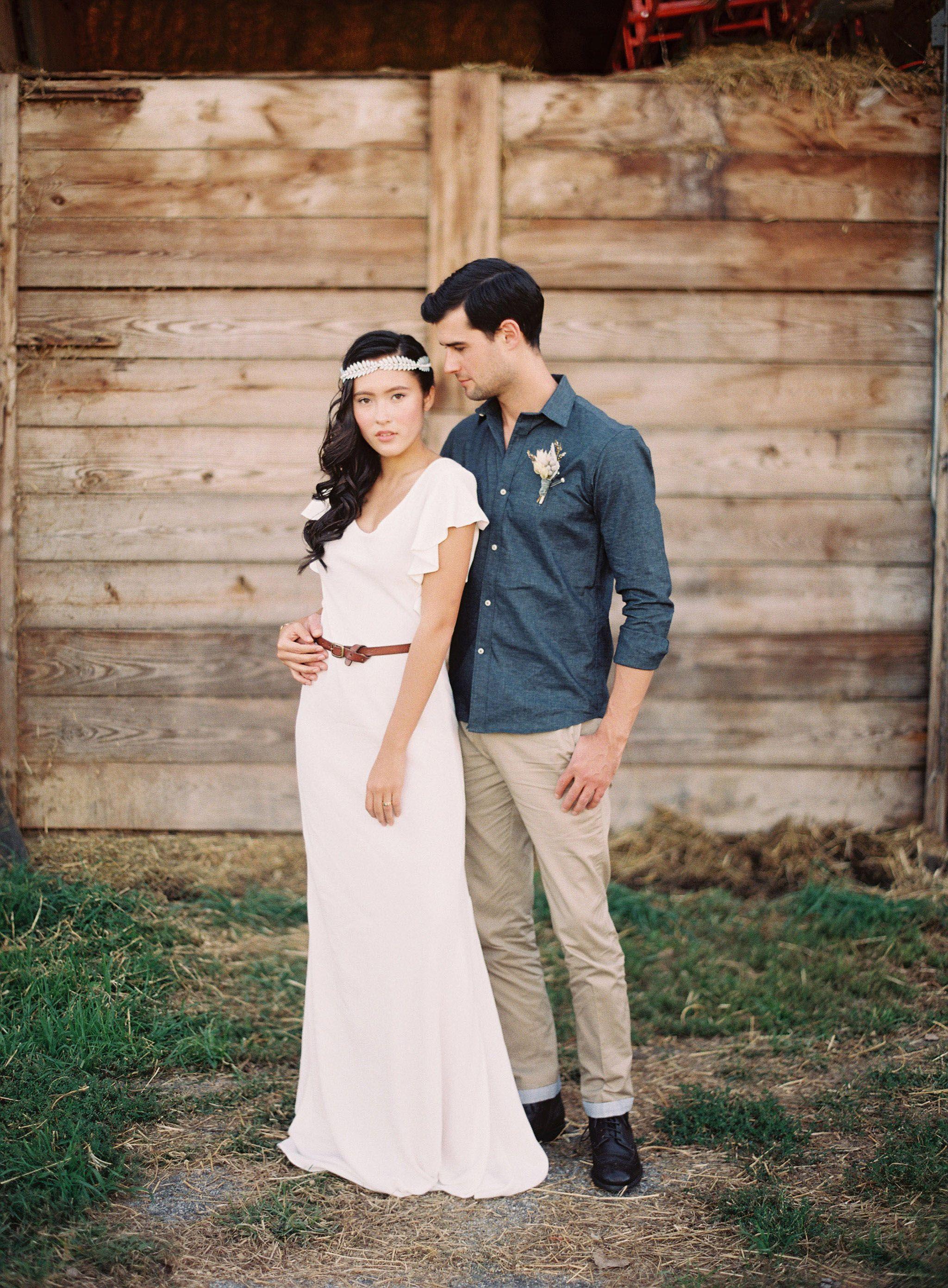 Long sleeve casual wedding dress  simple casual ivory chiffon floor length wedding dress v neckline