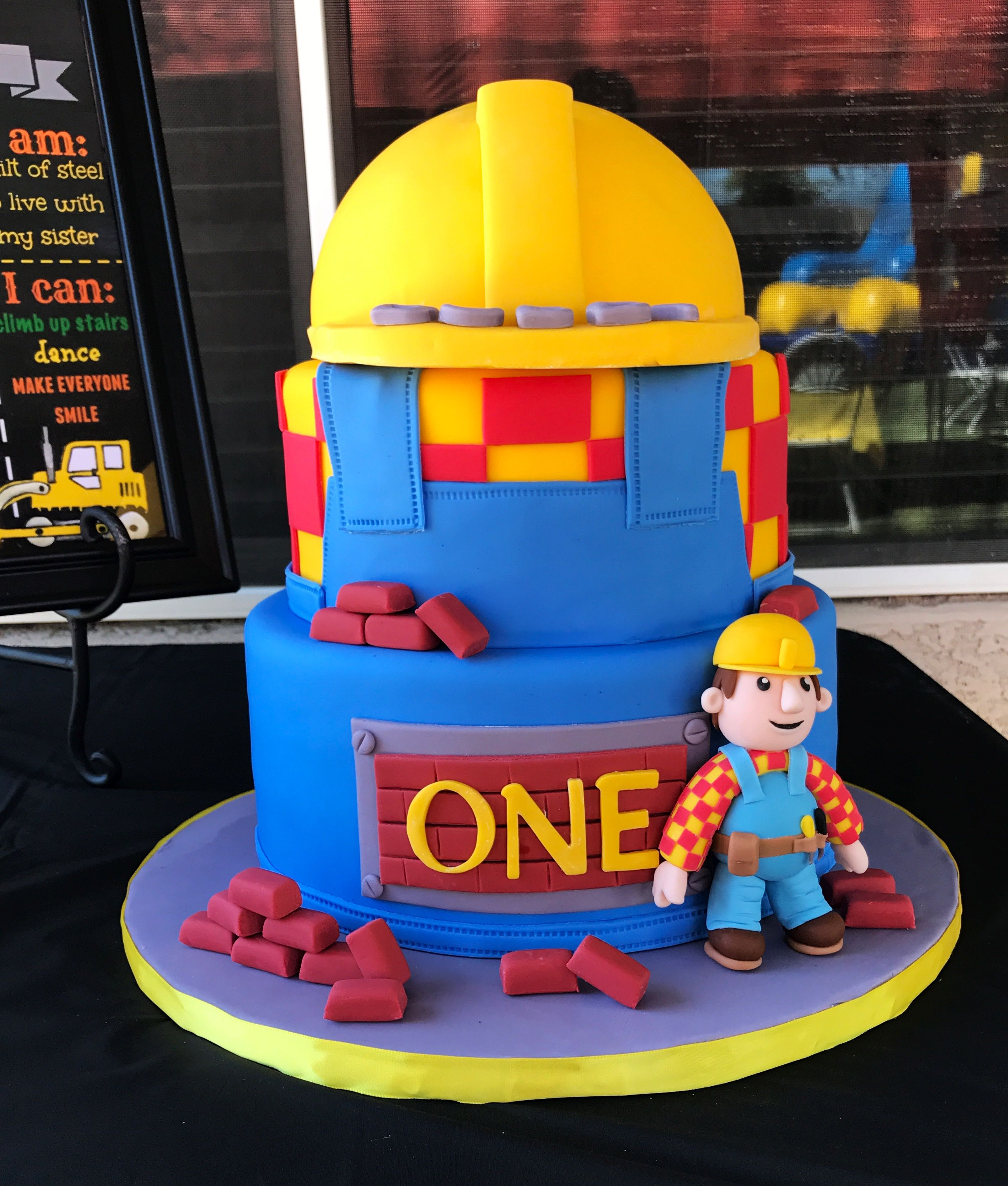 Bob The Builder 1st Birthday Cake With Images Bob The Builder