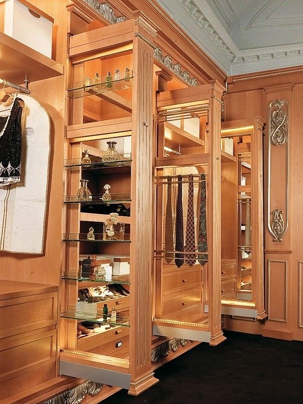Luxury Walking Closet Custom Built In Cabinets