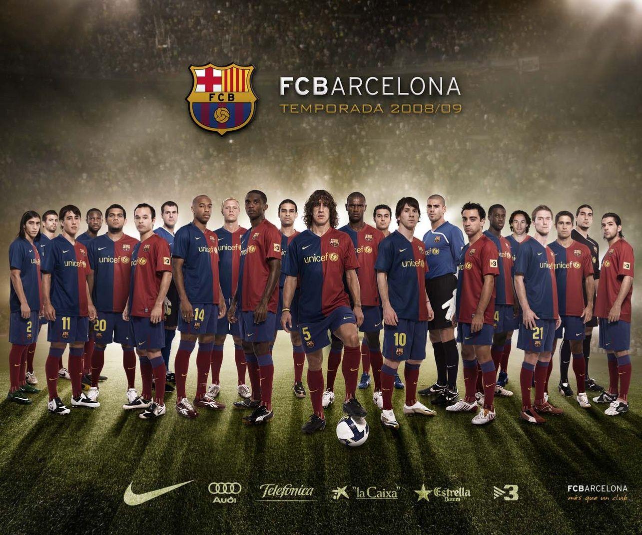Football Soccer Wallpaper Barcelona Team Squad Photos And Http Www Wallpapersoccer Com Football Soccer W Barcelona Football Barcelona Team Barcelona Soccer