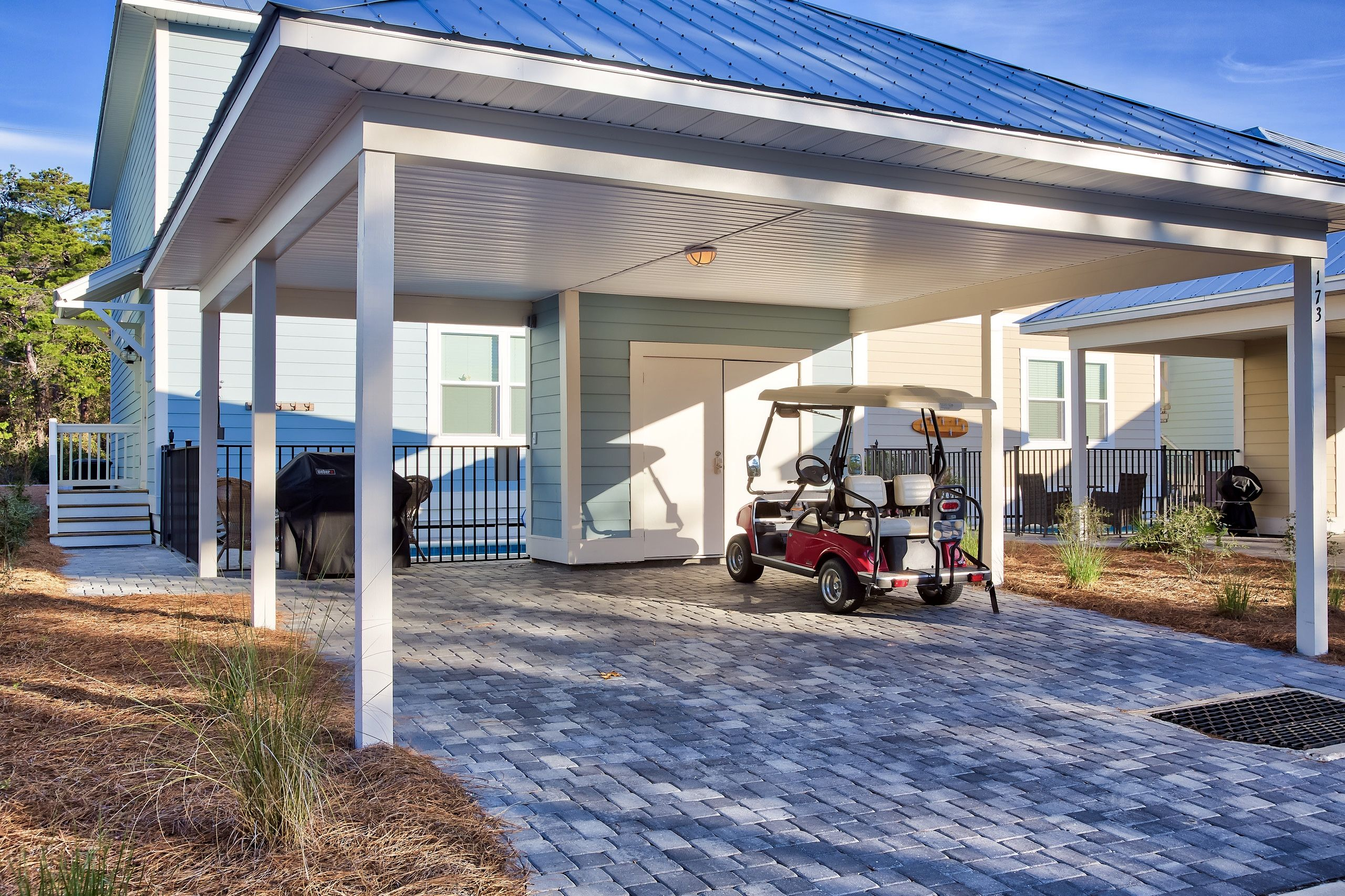 Blue pearl on 30a is perfectly located only a 5 minute