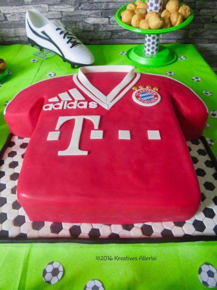Ein Runder Fussball Geburtstag Kinderkuchen Bayern Torte