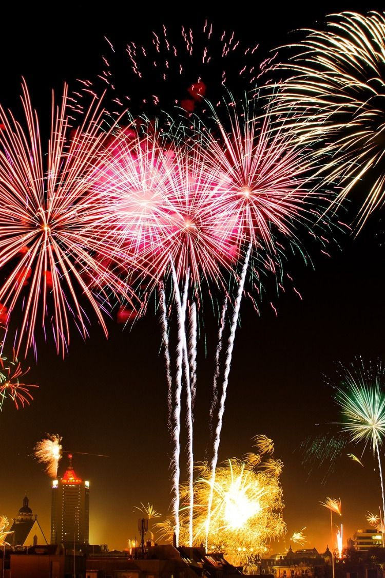 Portland Christmas Lights 2019 PORTLAND METRO EVENTS DEC 28, 2018 – JAN 01, 2019 TRUMAN CAPOTE'S