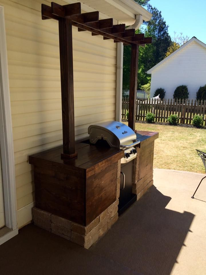 Timber Twine Wood And Stone Grill Surround W Pergola Outdoor