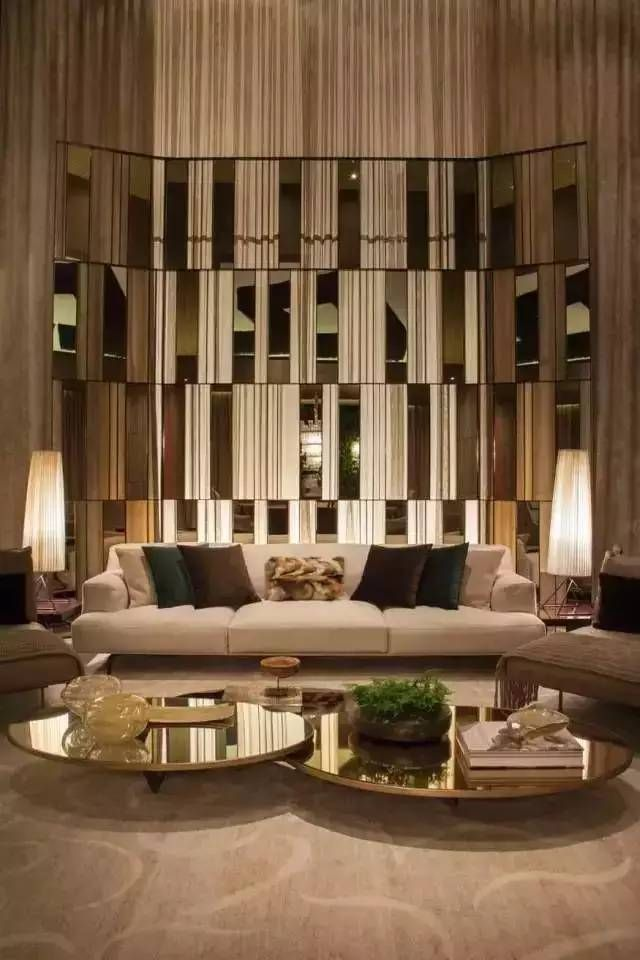In Gold Or Marble Round Or Square Get The Perfect Inspiration That You Need For Your Home Dec Luxury Living Room Living Room Design Modern Luxury Sofa Design